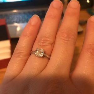 Jewelry - Sterling Silver Solitaire Ring Size 6
